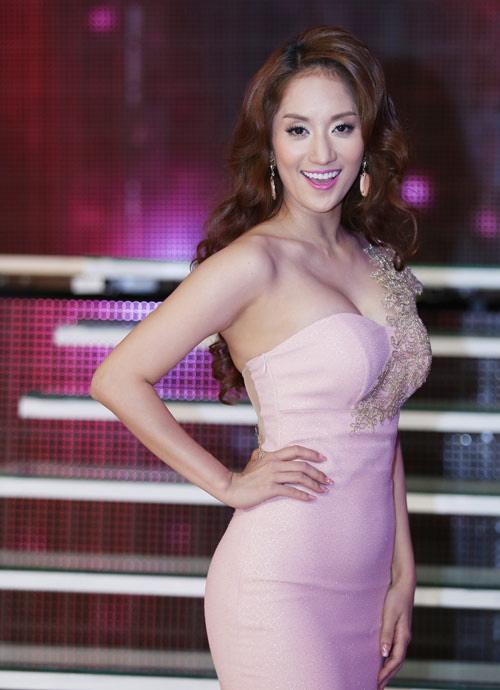 Ngạt thở vì vẻ đẹp phồn thực của người đẹp Việt - 12