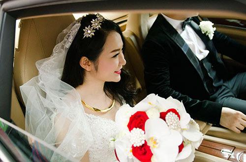 Xúc động nghe Tuấn Hưng hát tặng vợ trong lễ cưới - 13