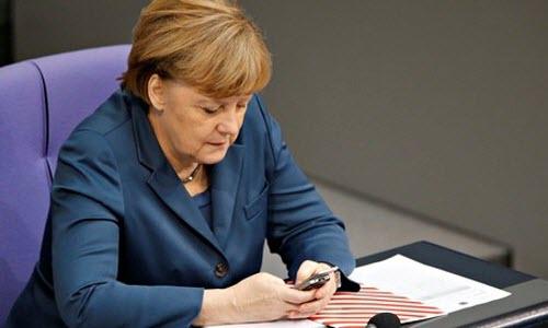 Các nguyên thủ quốc gia dùng điện thoại gì? - 1
