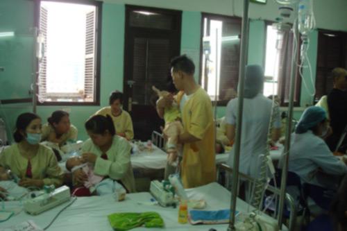 Bộ Y tế ra công điện khẩn phòng chống dịch sởi - 1