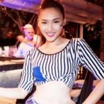 Thời trang - Chân dài Việt vào vai nữ cổ động viên gợi cảm