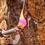 """Phi thường - kỳ quặc - Cô gái 21 tuổi trở thành """"nữ hoàng leo núi"""""""