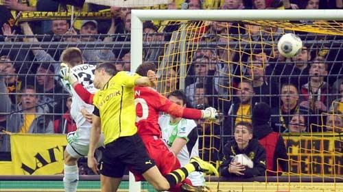 Dortmund - Wolfsburg: Ngược dòng vất vả - 1