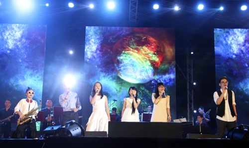 Ngồi bệt nghe 4 thế hệ nghệ sĩ hát nhạc Trịnh - 3