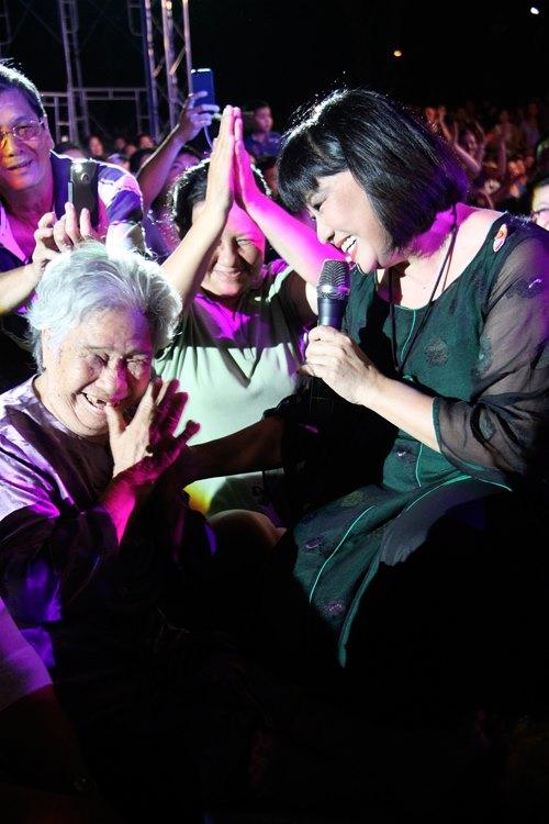 Ngồi bệt nghe 4 thế hệ nghệ sĩ hát nhạc Trịnh - 4