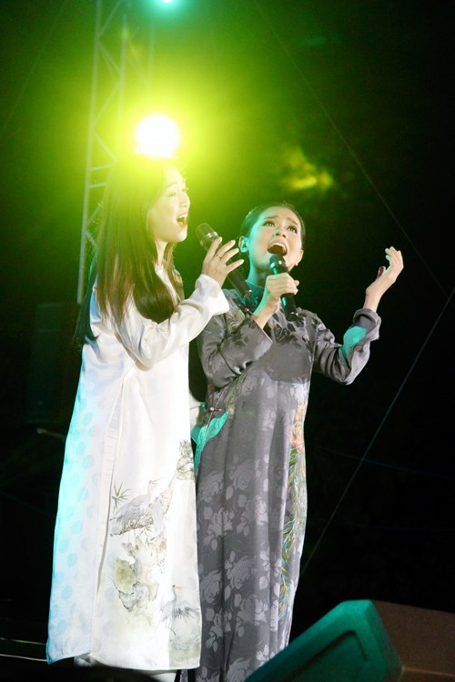 Ngồi bệt nghe 4 thế hệ nghệ sĩ hát nhạc Trịnh - 9