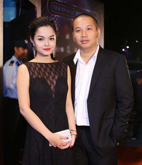 Phạm Quỳnh Anh mặc kín bưng vẫn gợi cảm hút hồn - 10