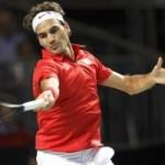 Thể thao - Federer dẻo dai cứu bóng ở tuổi 32