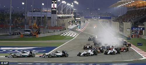 Bahrain GP: Gọi tên Hamilton - 1