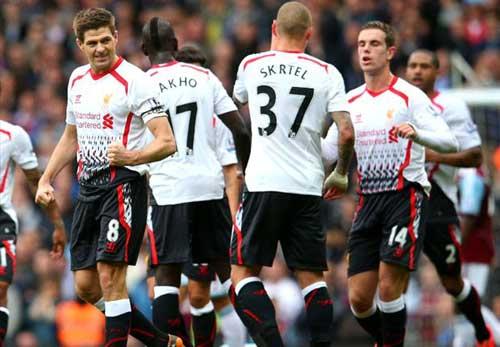 """Liverpool bay tiếp, Gerrard """"nhắc nhở"""" Man City - 1"""