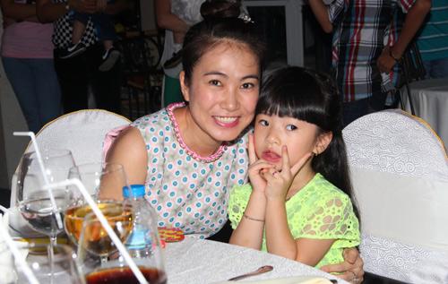 Vân Ốc mở tiệc lớn mừng sinh nhật con gái - 10