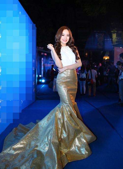 Xao xuyến ngắm mỹ nhân Việt mặc đẹp tuần qua - 9