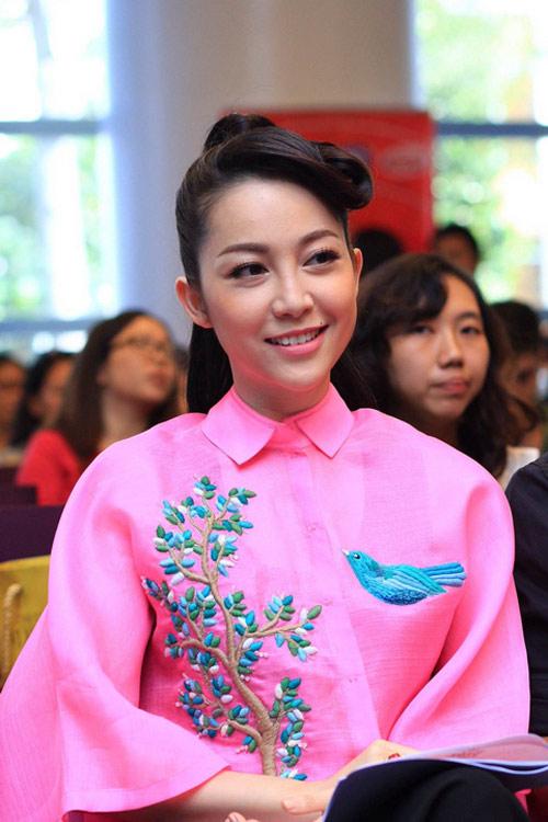 Xao xuyến ngắm mỹ nhân Việt mặc đẹp tuần qua - 12