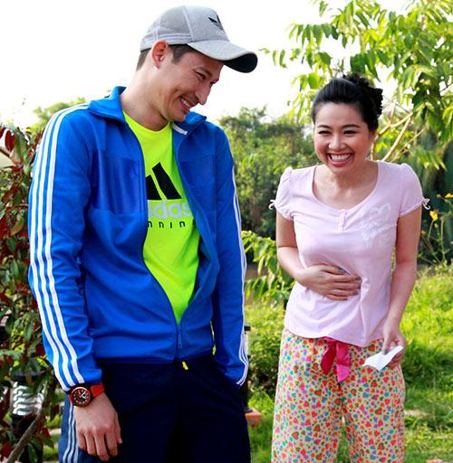 """Huy Khánh lại đau đầu vì """"cô dâu đại chiến"""" - 4"""