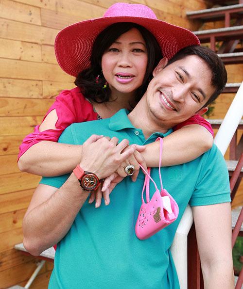 """Huy Khánh lại đau đầu vì """"cô dâu đại chiến"""" - 12"""