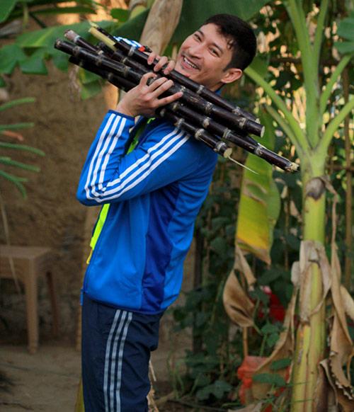 """Huy Khánh lại đau đầu vì """"cô dâu đại chiến"""" - 14"""