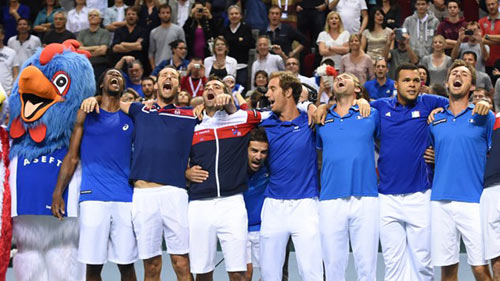 TK Davis Cup: Federer, Wawrinka lật ngược thế cờ - 2
