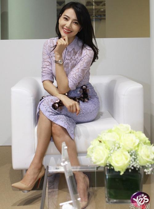 Mặc áo mỏng, MC Trung Quốc bị chỉ trích - 9