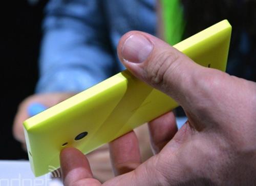 Nokia XL về Việt Nam giá trên 3 triệu đồng - 3