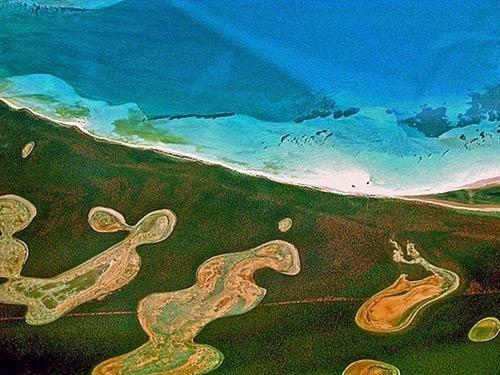 Đẹp ngoạn mục hồ thạch cao ở vịnh Cá mập - 6