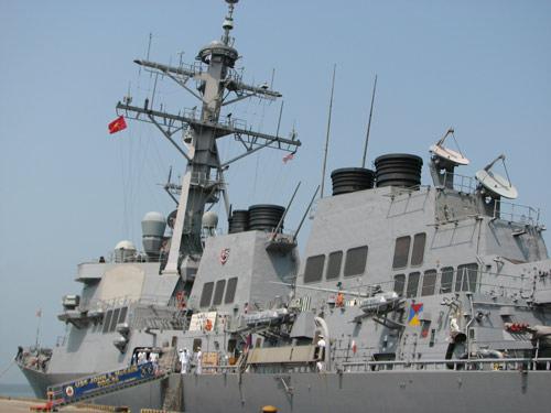 Ngắm tàu khu trục USS McCain tại cảng Đà Nẵng - 5