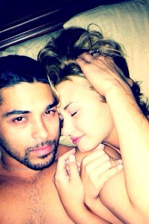 Demi Lovato giận dữ vì bị lộ ảnh nóng - 4