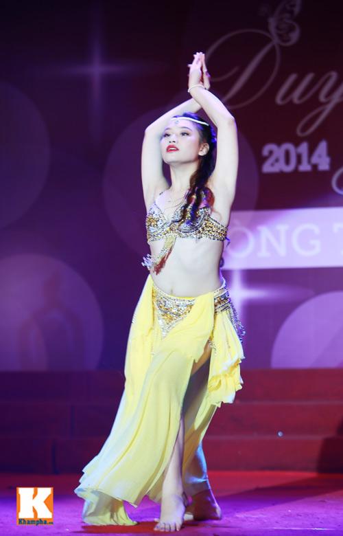 """Nữ sinh """"đốt mắt"""" khán giả với điệu múa Ả rập - 7"""