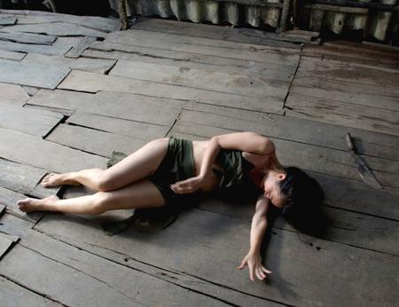 Video: Nghẹn lòng vì cô gái điếm của Đỗ Hải Yến - 3