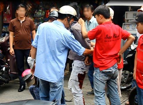 Đặc nhiệm nổ 5 phát súng bắt cướp giữa Sài Gòn - 1