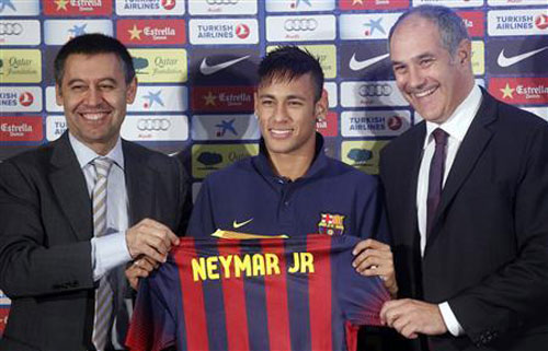 Sau cấm vận, Barca đấu nhau chan chát - 1