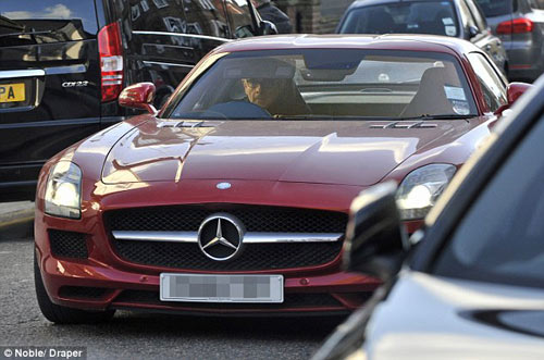 """Mr. Bean đi """"chợ"""" bằng siêu xe 200.000 bảng - 2"""