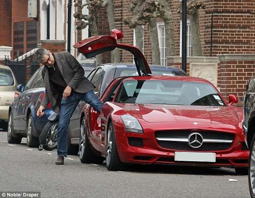 """Mr. Bean đi """"chợ"""" bằng siêu xe 200.000 bảng - 4"""