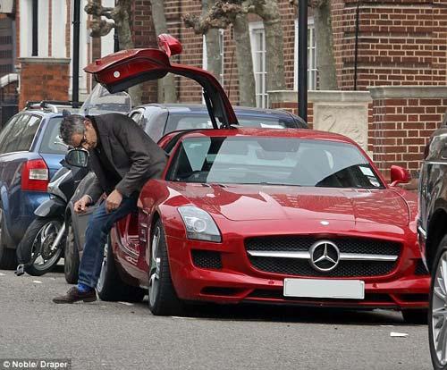 """Mr. Bean đi """"chợ"""" bằng siêu xe 200.000 bảng - 5"""