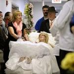 Bạn trẻ - Cuộc sống - Đám cưới đẫm nước mắt của cô dâu ung thư