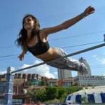 Thể thao - Các cô gái làm nóng thể dục đường phố Hungary