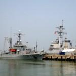 Tin tức trong ngày - Ngắm tàu khu trục USS McCain tại cảng Đà Nẵng