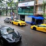Ô tô - Xe máy - Siêu xe Lamborghini và Ferrari dầm mưa tại Hà Nội