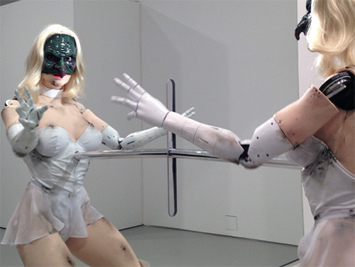 Video: Vũ nữ robot khiêu vũ sexy - 6