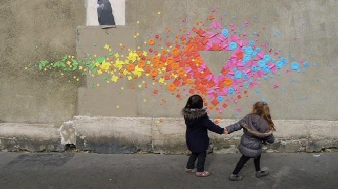 Cô gái đam mê nghệ thuật gấp giấy đường phố - 4