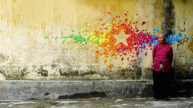 Cô gái đam mê nghệ thuật gấp giấy đường phố - 7