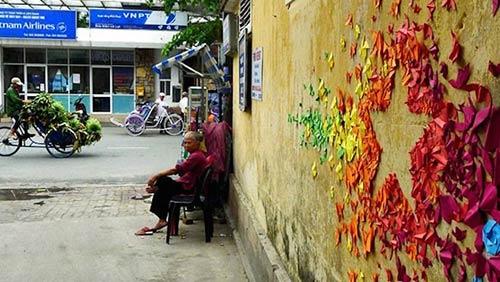 Cô gái đam mê nghệ thuật gấp giấy đường phố - 8