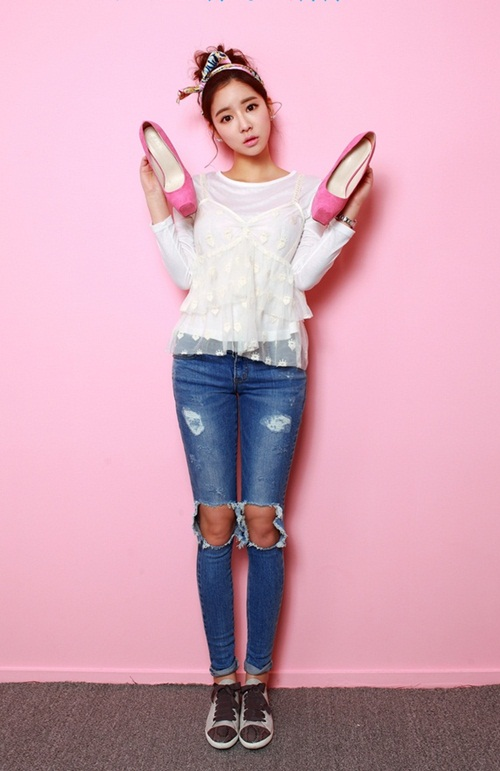 Cô gái mùa hè cần một chiếc jeans rách! - 4