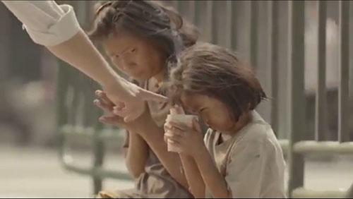 Cảm động lòng tốt của chàng trai nghèo - 1
