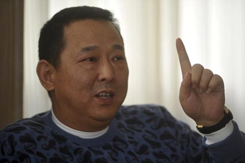 Trùm mafia Trung Quốc: Chiếc ô bảo kê khổng lồ - 3