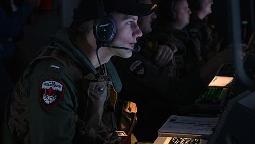 Phi đội Mỹ tin tưởng sắp tìm được MH370 - 2