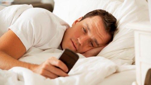 Smartphone có thể gây vô số bệnh - 1