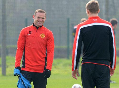 Cặp trung vệ Bayern run sợ trước Rooney - 1