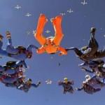 Phi thường - kỳ quặc - Xếp hình người giữa trời ở độ cao 6.000m