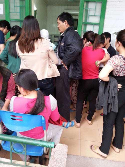 Dịch sởi bùng phát: Các phòng tiêm chủng kẹt cứng - 1