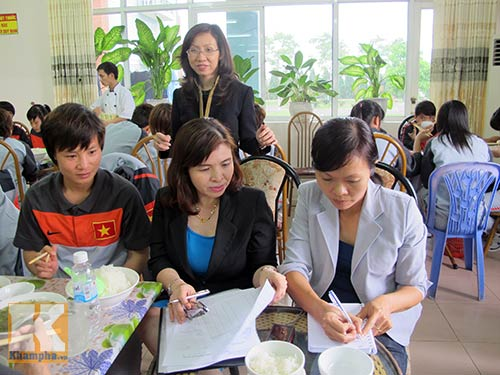 Đội tuyển nữ Việt Nam được học…ăn - 1